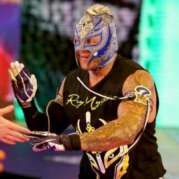 rey mysterio regresa al monday raw