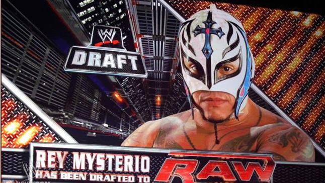 rey mysterio es reclutado para el raw
